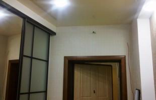 фигурные потолки в комбинации с натяжными